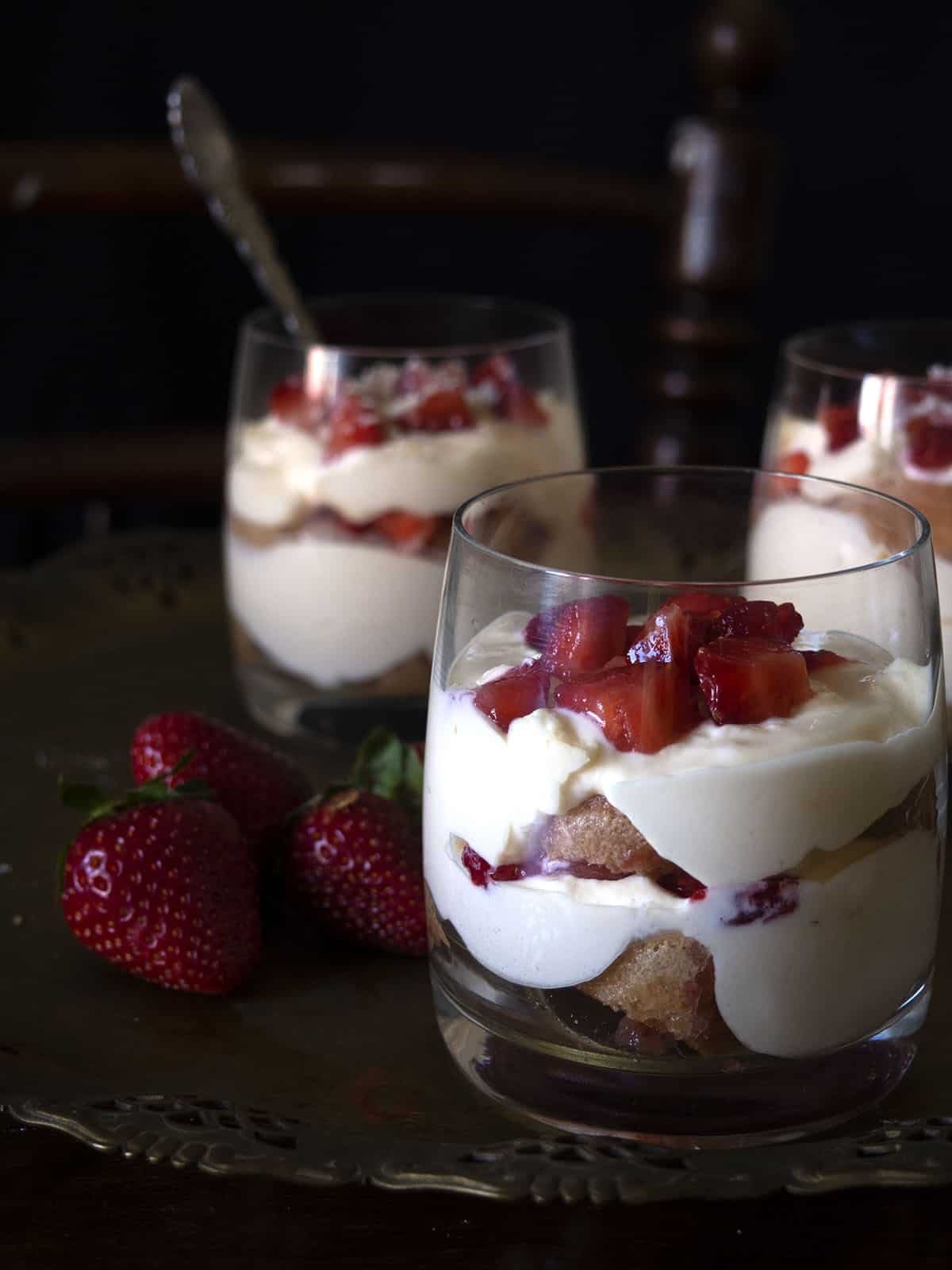 strawberry tiramisu, τιραμισού με φράουλες