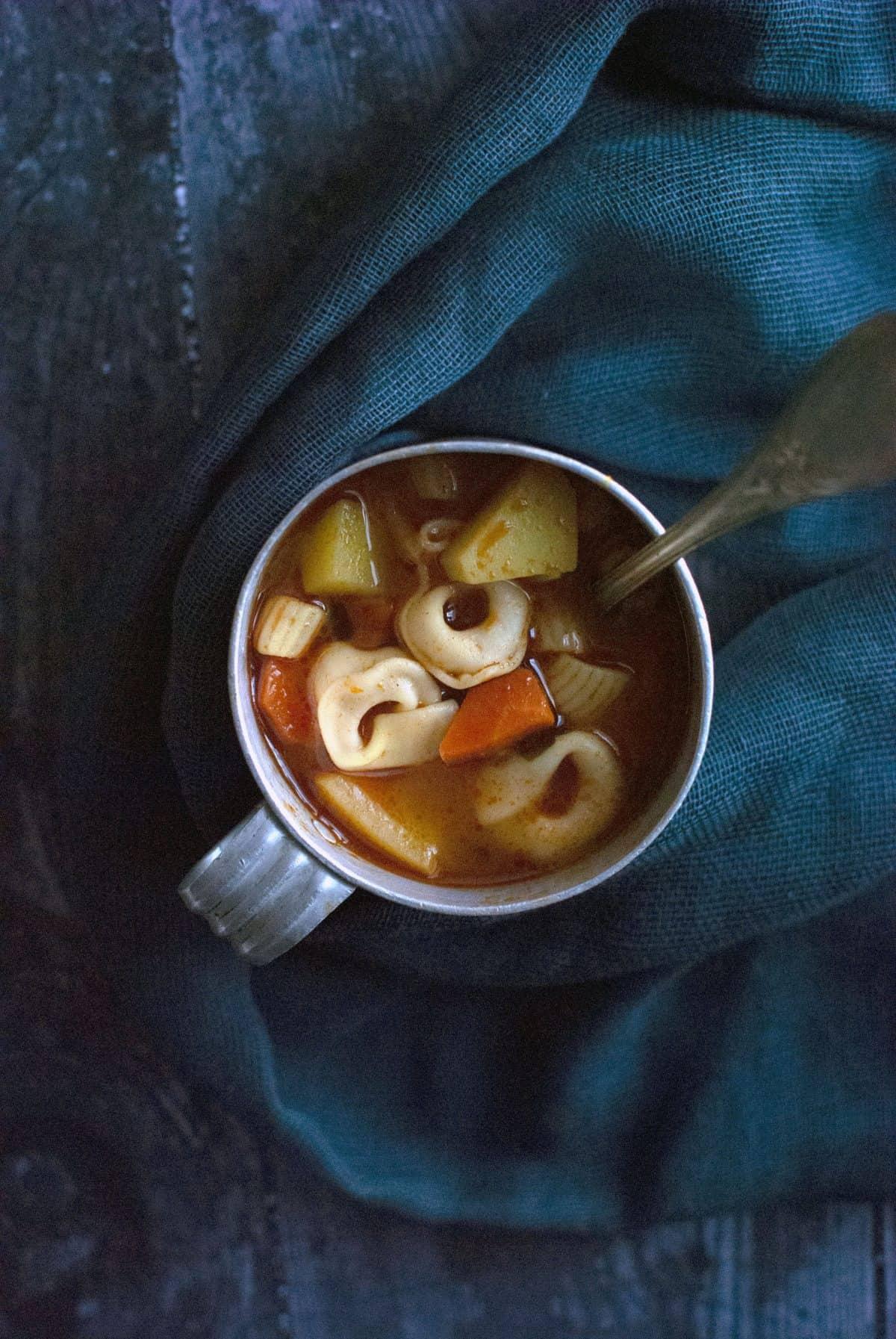 μινεστρόνε, χορτόσουπα, minestrone, νερόσουπα