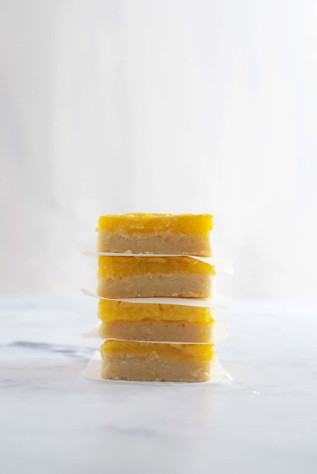 μπάρες λεμονιού, γλυκό με λεμόνι, lemon bars