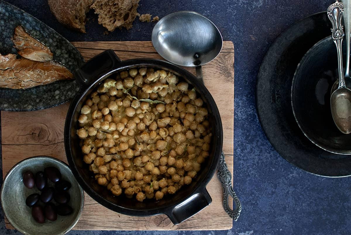ρεβύθια στο φούρνο, γάστρα, ρεβυθάδα