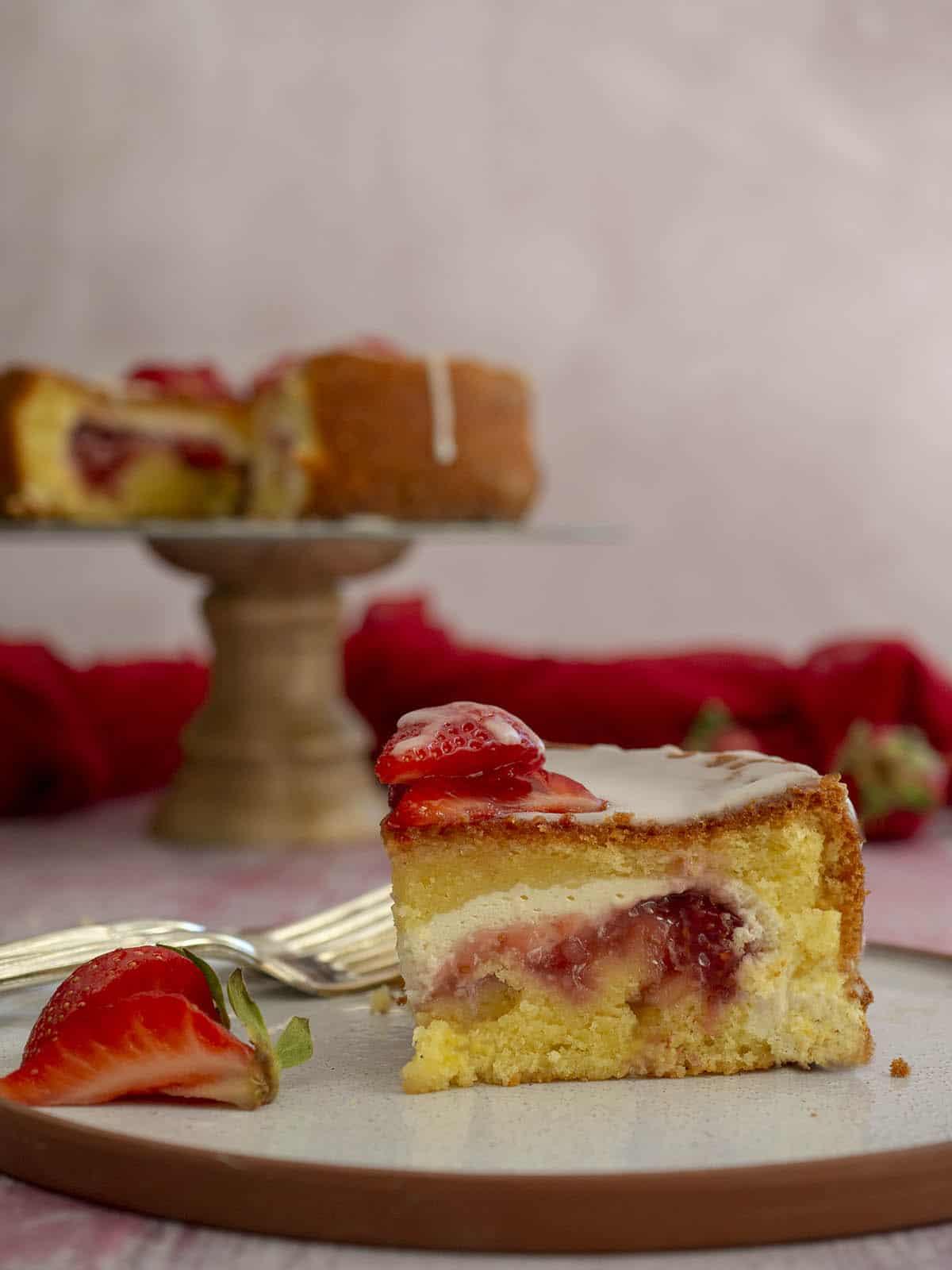 κέικ με ρικότα & φράουλες