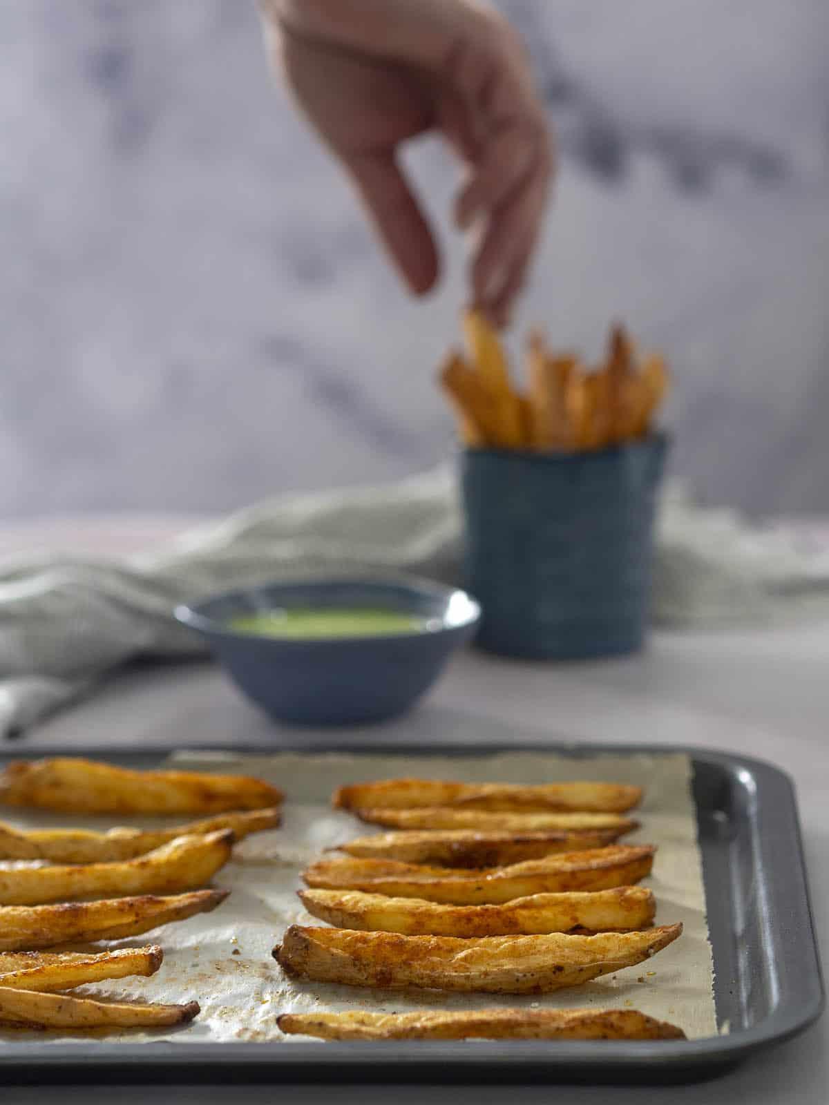 πατάτες σαν τηγανιτές στο φούρνο μαγιονέζα με wasabi