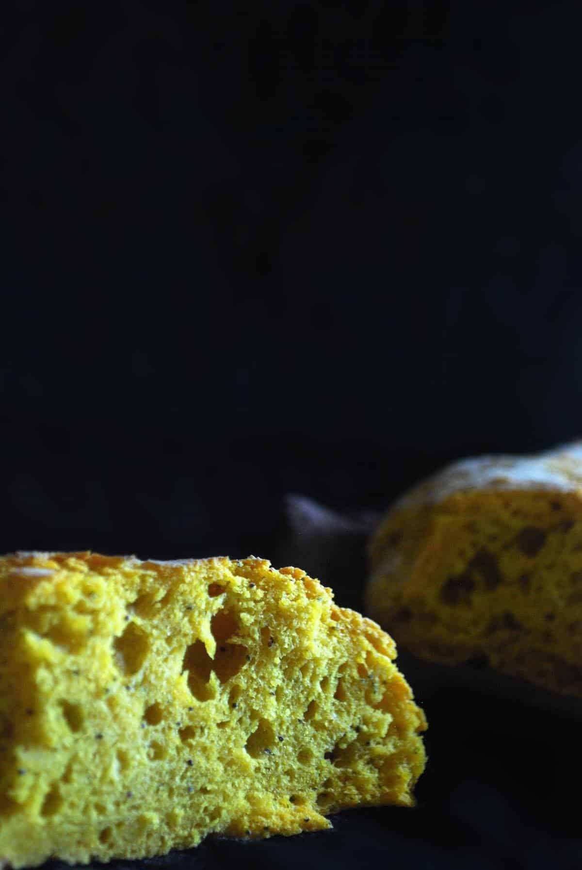 ψωμί με κουρκουμά και παπαρουνόσπορο, χωρίς ζύμωμα