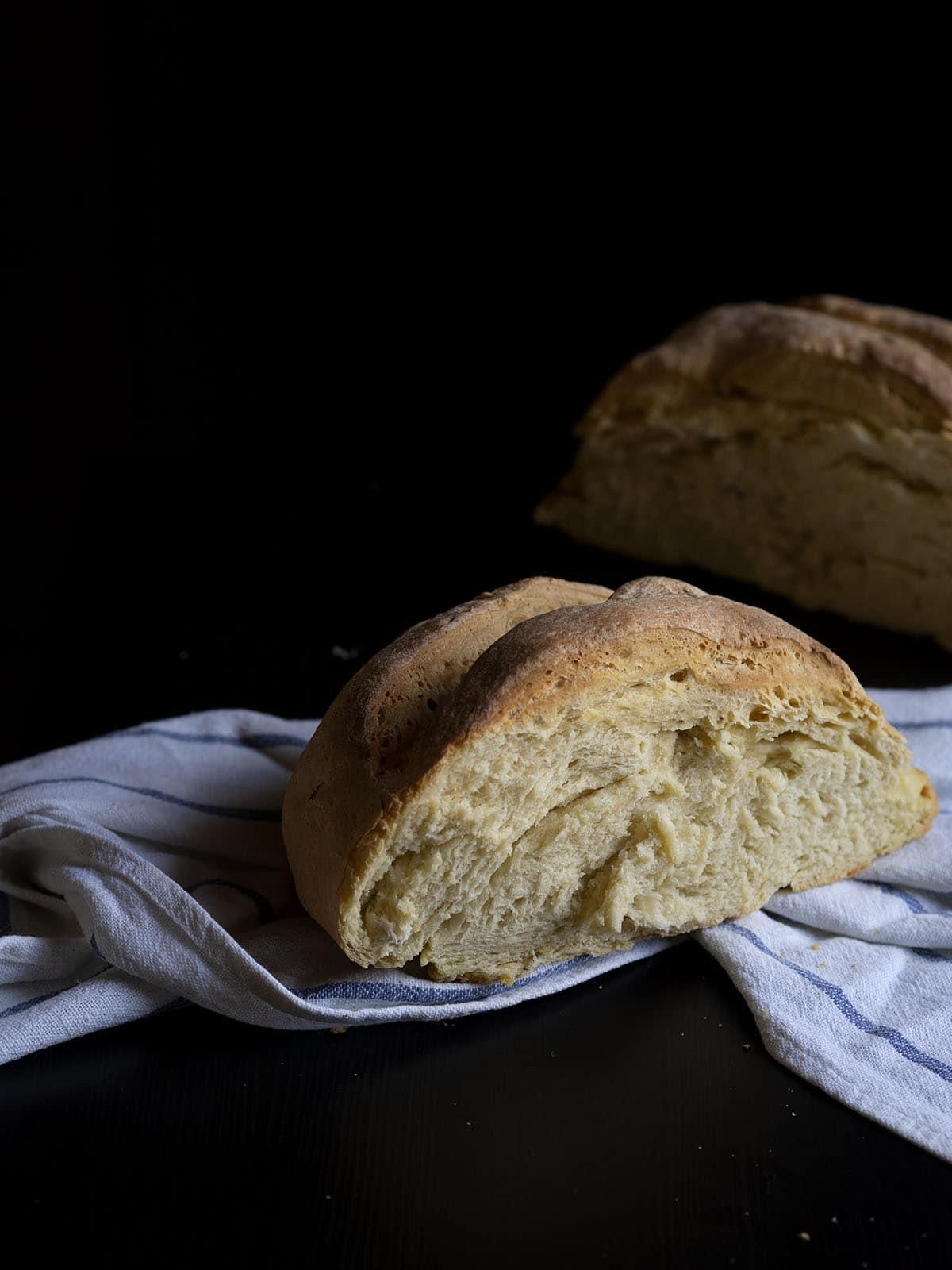 ζυμωτό ψωμί με μαγιά