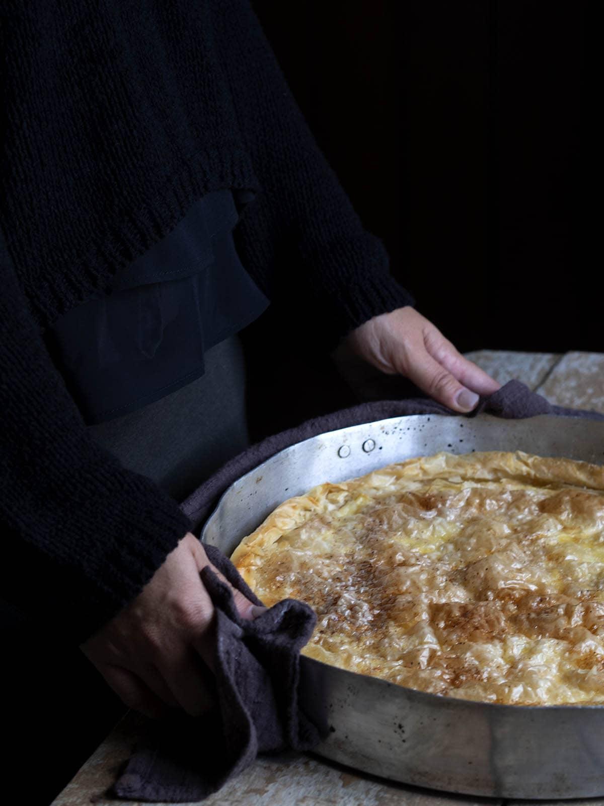 γιαννιώτικη γαλατόπιτα με φύλλο κρούστας