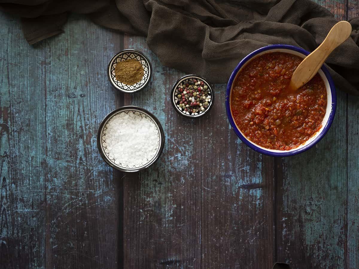 μοναστηριακή σάλτσα ντομάτας σε βάζο