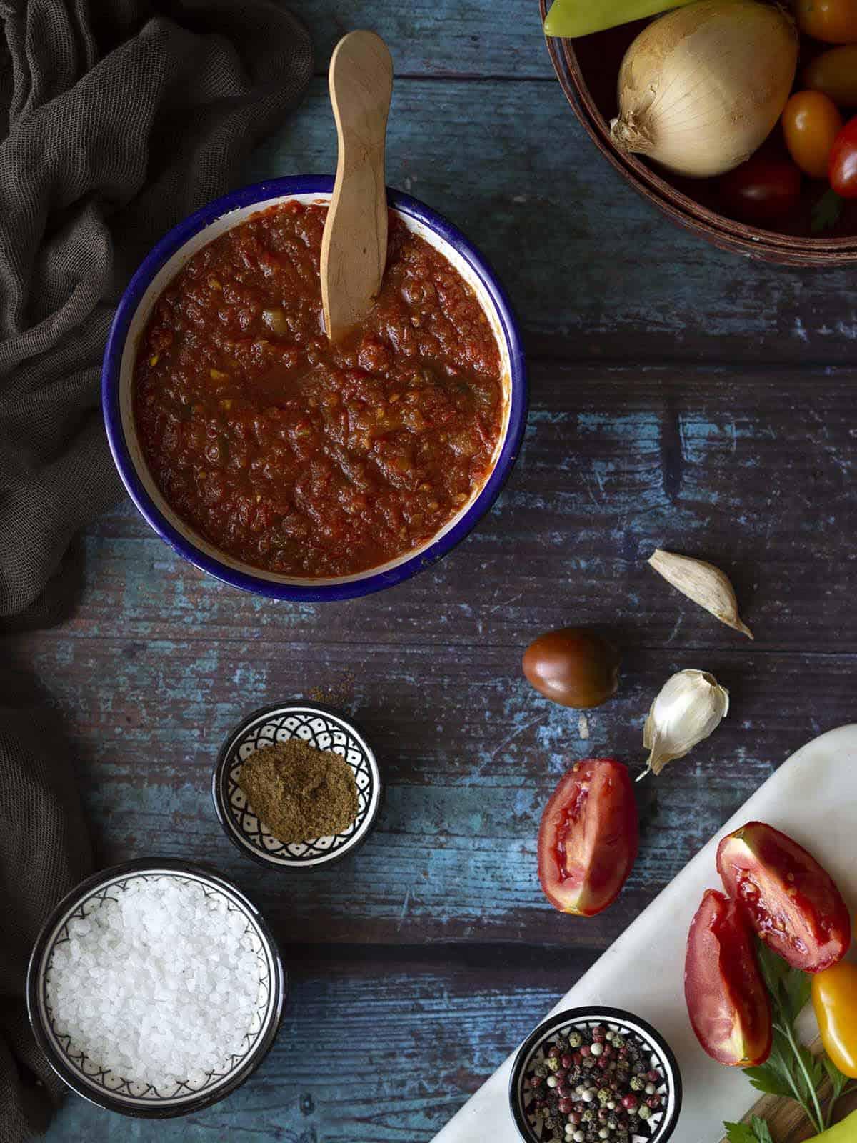 σάλτσα ντομάτας σε βαζα