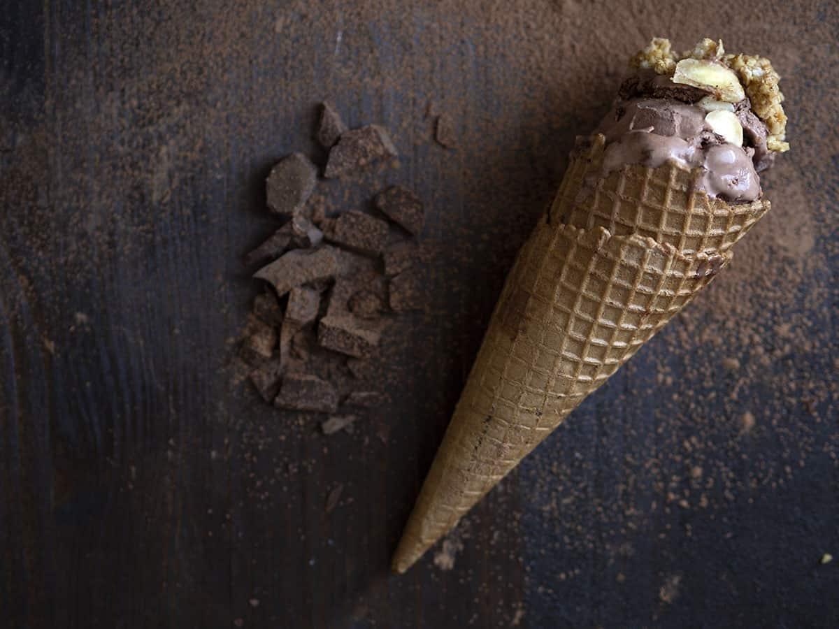 σοκολατένιο παγωτό γιαούρτι