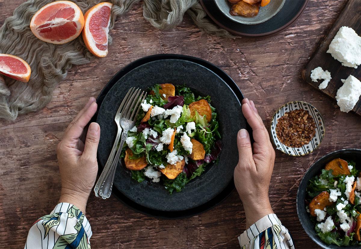 σαλάτα με ανθότυρο και γλυκοπατάτα, βινεγρέτ dressing γκρειπφρουτ