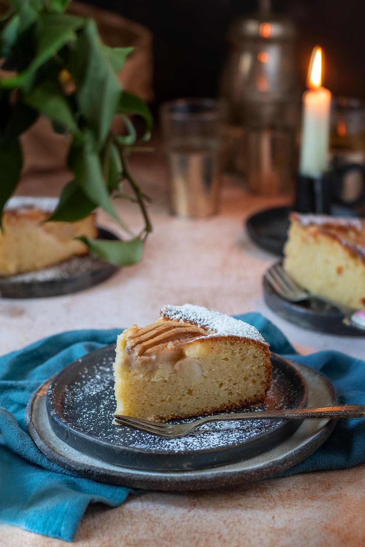 κέικ με αχλάδια και ανθότυρο