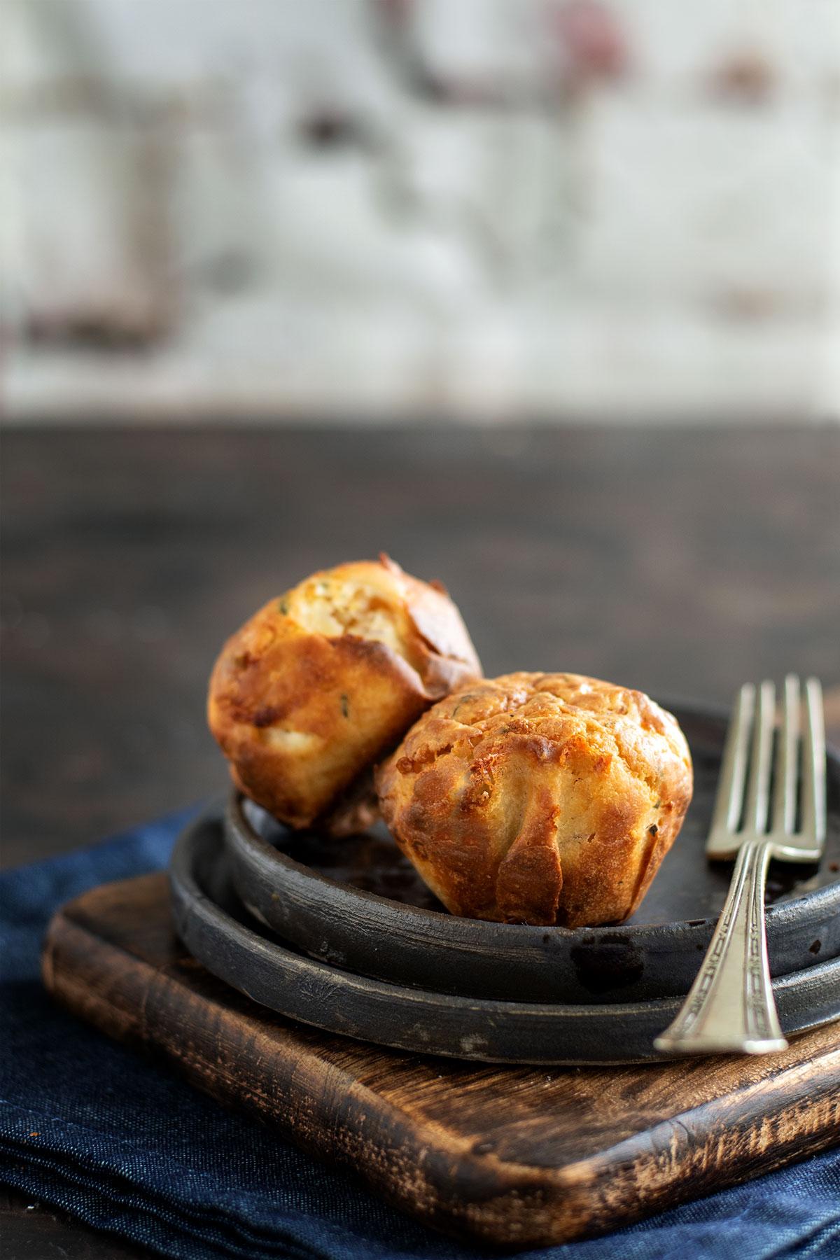 αλμυρά muffins, μαφίνς γεμιστά με τυρί κρέμα