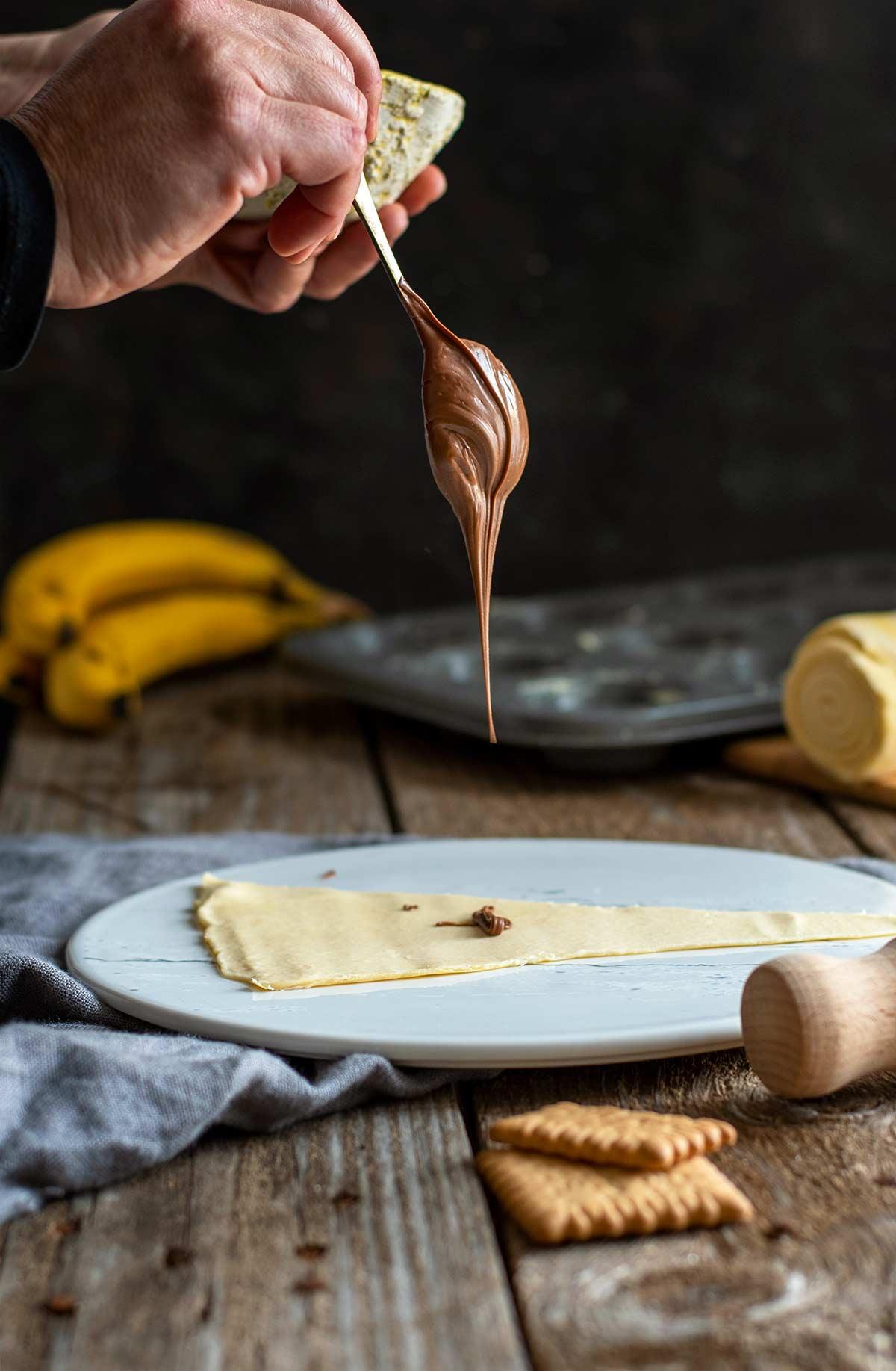εύκολα cruffin, γεμιστά κρουασάν μπανάνα, πραλίνα, νουτέλα, μερέντα