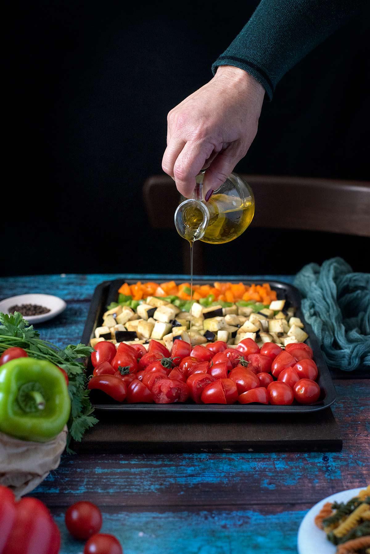 νηστίσιμα vegan, ζυμαρικά, μακαρόνια, ψητά ντοματίνια, μελιτζάνα, λαχανικά